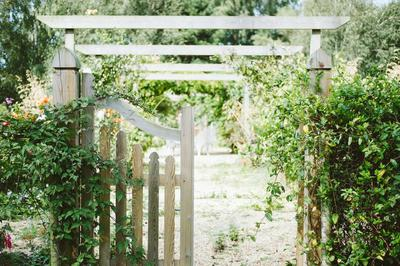 Living Fence with a Welcoming Gate