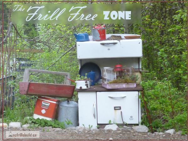 The Frill Free Zone - a newsletter for Homesteaders and Alternative Builders