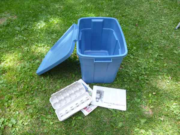A Rubbermaid tub