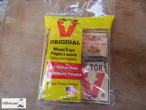 Two Mouse Traps per package