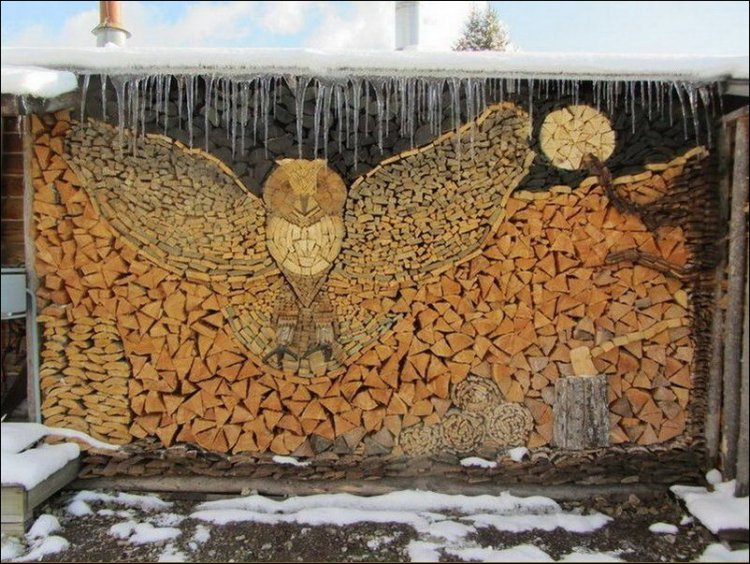 A talented artist, working in firewood made this owl...
